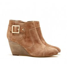 Cute boots for fall- too bad I have 2 other pairs that kinda look exactly like them...but what's one more?