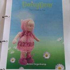 37 vind-ik-leuks, 1 opmerkingen - Ankie-art.Waldorf poppen (@ankiedegenkamp) op Instagram: 'We also have the book in englisch as a pdffile, on etsy or send a message , to make daisy from head…' Waldorf Dolls, Daisy, Teddy Bear, Messages, Toys, How To Make, Animals, Instagram, Art