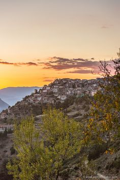 Beautiful golden sunset over the village of Arachova, Greece  #arachova #greece #europe #sunset