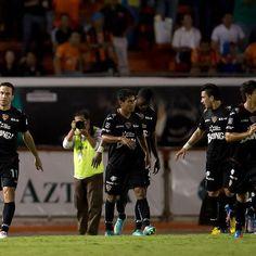 Mordió más fuerte el Jaguar  Liga Tijuana su segunda derrota y tercer juego sin ganar  En el estadio Zoque en la inauguración de la Jornada 7 de Clausura 2013, el Jaguar mordió más fuerte que el Xolo y lo venció 2-0.  La última vez que Xolos perdió dos partidos consecutivos fue en el Apertura 2011, su presentación en Primera División.