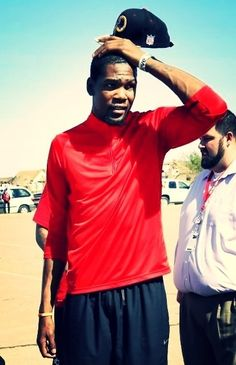 Kevin Durant was visibly upset by the tornado wreckage in Oklahoma