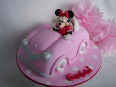 Adorable Minnie Mouse Cake