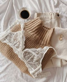 Lingerie Chic, Lingerie Fine, Jolie Lingerie, Lingerie Models, Cute Casual Outfits, Winter Outfits, Summer Outfits, Ropa Interior Retro, Noora Style