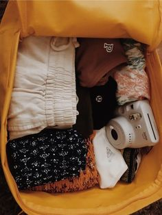 See more of audreyyshae's content on VSCO. Road Trip Packing, Vacation Packing, Packing Tips For Travel, Travel Bag Essentials, Road Trip Essentials, Cute Comfy Outfits, Cute Summer Outfits, Summer Aesthetic, Travel Aesthetic