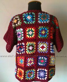 Blusa em squares coloridos de crochet a mão, mangas curtas e decote quadrado.  P M G GG