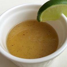 Aprende a preparar salsa agridulce de limón  con esta rica y fácil receta.  La salsa agridulce de limón, muy conocida en la cocina oriental, se realiza a partir de...