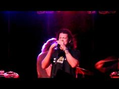 Christian Kane singing FADE  at Coyote Joes'  video by c4197  off of youtube  Chicago Ill 9-30-2011