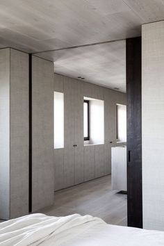 The latest project Spanish firm OOAA Arquitectura has shared with IGNANT is 'Alcazar de Toledo'; a refined transformation of an entire apartment in the Spanish. Custom Made Furniture, Furniture Making, Mirrored Side Tables, Interior Architecture, Interior Design, White Oak Wood, Neutral Colour Palette, Walk In, House In The Woods