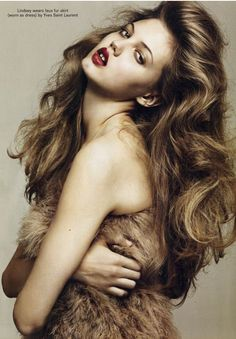Lindsey Wixson voluminous #curls