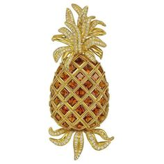 Another adorable piece this time by Valentin Magro. This pineapple brooch is set with square-cut Madeira citrines and round-cut diamonds mounted in 18k yellow gold signed Valentin Magro.  #purplebyanki #diamonds #luxury #loveit #jewelry #jewelrydesign #jewelrydesigner #love #gold #jewelrydesign #finejewelry #luxurylifestyle #instagood #follow #instadaily #lovely #me #beautiful #dubaifashion #dubailife #mydubai #beautiful #love #jewelgoals #fashion #bosslady #diamondqueen #brooches #tropical…