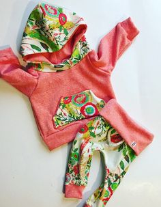 Baby girl clothes / baby girl outfit / floral / baby clothes / girl toddler / newborn baby girl / coming home outfit / newborn baby girl by BornApparel on Etsy www.etsy.com/...