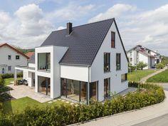 SPLIETKER-Bielefeld-Bokenweg-1___4_ Rooftop Design, Sliding Patio Doors, Garden Doors, Sims House, Loft Design, House Goals, Apartment Design, Future House, Building A House