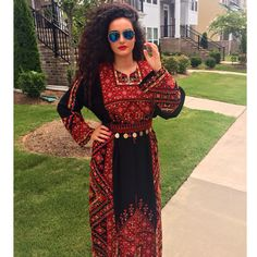 Traditional Palestinian thobe (dress) Arab Fashion, Diva Fashion, Indian Fashion, Wedding Dress Styles, Bridal Dresses, Maxi Dresses, Dresses With Sleeves, Pretty Dresses, Beautiful Dresses
