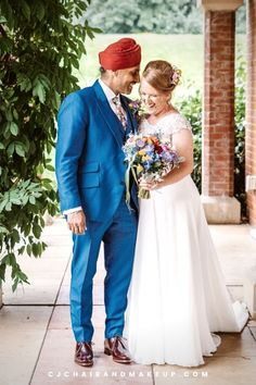 This Bridal Hairstyle and Classic Barely-there Makeup is perfect for country and rustic themed wedding! Photo credits to Asian Bridal. Looking for Professional Hair and Makeup Artist in Buckinghamshire, UK? Click to learn more!