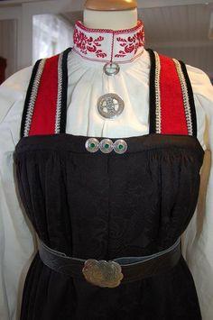 Halling costume, costume Mester Vibekes Hjønnevåg, Old Nes, Nesbyen in Hallingdal, Buskerud