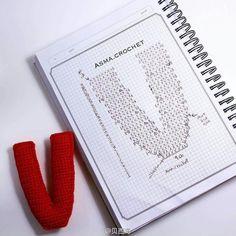 Crochet love ~ V Love Crochet, Crochet For Kids, Diy Crochet, Crochet Baby, Crochet Diagram, Crochet Motif, Crochet Stitches, Crochet Alphabet, Crochet Letters