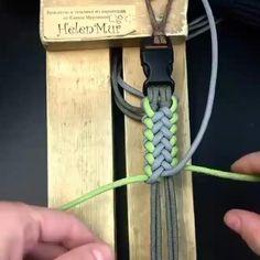 Yarn Bracelets, Diy Bracelets Easy, Bracelet Crafts, Paracord Bracelets, Paracord Bracelet Designs, Paracord Keychain, Paracord Weaves, Paracord Braids, Paracord Knots