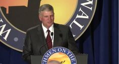 """Franklin Graham Schools Obama on the Difference Between Christianity and Islam """"Jesus teaches love and forgiveness."""""""