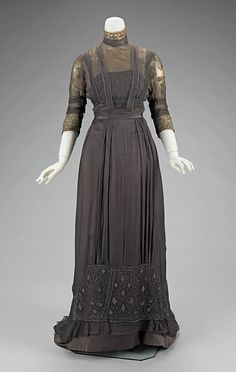 Circa 1909 silk Dinner Dress by Jeanne Paquin, House of Paquin, via The Metropolitan Museum of Art.