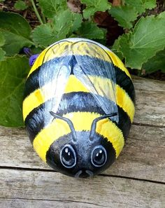 Bee hand painted rock pebble stone suitable for patio no bug catcher or beehive in Pet Supplies, Bee Keeping | eBay