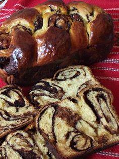 Cocoa braided cake (without kneading) – Pastry World Cookbook Recipes, Baking Recipes, Cake Recipes, Dessert Recipes, Romanian Desserts, Romanian Food, Unique Recipes, Sweet Recipes, Chocolate Pancakes