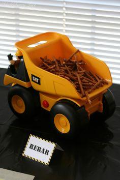 Huckleberry Love: Construction Themed Birthday Party @Helen Nonn so cute- makes me think of rmn