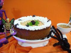 Cheesecake de Ayote con Salsa de Caramelo (31 de octubre) Para la pasta 250 gramos galletas María procesada(2 tazas) 1 barra de mantequilla derretida Para el relleno 400 gramos queso crema 1/2 taza natilla 1/2 taza azúcar blanco 1 cucharadita de canela en polvo 1/2 cucharadita de jengibre en polvo 1/2 cucharadita de clavo de…
