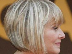19 Haircuts for Older Women (Winter 2019 Edition) Haircut For Older Women, Short Hairstyles For Women, Hairstyles With Bangs, Pretty Hairstyles, Hair Color For Women, Cool Hair Color, Hair Secrets, Beauty Secrets, Beauty Products