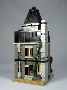 """LEGO Mini Modulars - MOC: """"Haunted House"""" 