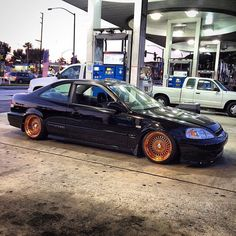 Thirty B! ⛽️ Klutch SL1 #negativestance #blackcrownem1 #nvus #ocnvus #OrangeCountyNvUs #oc #civic #copper #rosegold #klutchwheels #lbc #low #si #em1 #ek #low #hb #honda #714 @nvus_ceo #low #anaheim #flush #flawless #bseriesonly @mag_em1 Find out more at klutchwheels.com 2000 Honda Civic, Jdm Cars, Wheels, Copper, Instagram Posts, Life, Cars, Motors, Brass