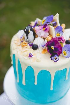 White chocolate chip cake with caramel filling, white chocolate Swiss buttercream and white chocolate ganache