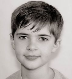 The 6 year old boy haircuts are very popular for hair of medium length. I would not need to at all costs to grow hair, if they are not very