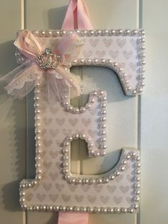 Your place to buy and sell all things handmade Letter Barrette Holder baby bow holder initial bow ho Baby Girl Headbands, Baby Bows, Barrette Holder, Bow Holder Diy, Diy Hair Bow Holder, Headband Holders, Custom Bows, Bow Accessories, Organizing Hair Accessories
