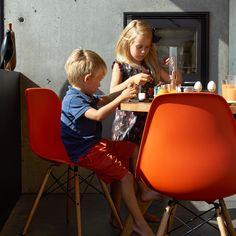 Vitra - Eames Plastic Side Chair DSW (H 41 cm)Původní text
