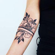 Black Tattoo - Flower Power by Eugénie Kasher