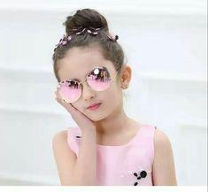 Cute Baby Girl Pictures, Cute Baby Boy, Cute Babies, Girls Dp, Kids Girls, Cute Girls, Girl With Sunglasses, Kids Sunglasses, Wedding Videos