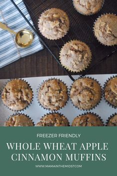 Easy, Whole Wheat Apple Muffins.Apple Muffins with crumb topping. Muffin Recipes, Apple Recipes, Whole Food Recipes, Snack Recipes, Dessert Recipes, Party Recipes, Party Snacks, Brunch Recipes, Vegetarian Recipes