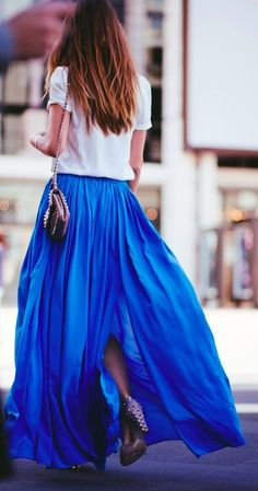 Pantone Dazzling Blue. Blue fashion.