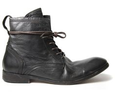 These calf leather casual men's boots are one of the favourites here at HQ. The round toe washed Victorian style leather ankle boot with wrap around laces are the perfect addition every weekend! The black leather has a washed finish giving them an uneven colouring that just adds to the character. The upper is detailed with exposed stitching around the heel and topline, whilst the laces are long enough to wrap around the top. Keep tight laced or open and relaxed, either way Swathmore will...