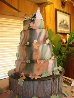 camo cakes | The Complex Design of Camouflage Wedding Cakes | Wedding Planning