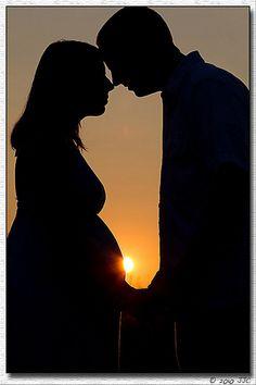 classy maternity portrait posing idea-maternity shadow couple_jcaputo4