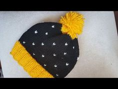 Knitted Baby Booties Free Patterns Cutest Ideas Ever - Lina Easy Knit Hat, Knitted Hats, Crochet Coat, Crochet Baby, Knitting Designs, Knitting Patterns, Holiday Hats, Baby Cardigan, Crochet Slippers
