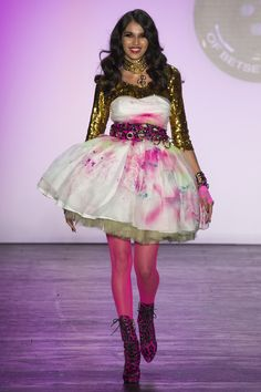 Betsey Johnson Spring 2016 Ready-to-Wear Fashion Show