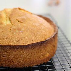 Cake Design, épisode 1 : réaliser un sponge cake facile ou gâteau éponge, la base parfaite pour faire du cake design, avec un bon goût vanillé.