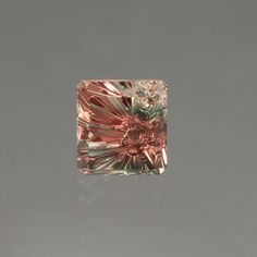 Oregon Sunstone gemstone - I think there is a soft spot in my heart growing for the Oregon Sunstone... particularly the cuts that John Dyer does to them.... This is inner beauty bursting out all over the place!!!