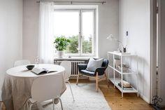 """102 tykkäystä, 1 kommenttia - Bo LKV Helsinki (@bo_helsinki) Instagramissa: """"Todellinen tilaihme Alppilassa etsii uusia asukkaita. Kauniit lautalattiat ja leveät ikkunalaudat…"""""""