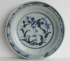 old China antique Ming Dynasty Blue and white Flower pattern Porcelain plate Vintage Cups, Chinese Ceramics, China Painting, My Cup Of Tea, Fine Porcelain, Ceramic Art, Stoneware, Objects, Blue And White
