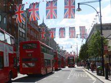 http://www.bigredlondon.com/blog/wp-content/uploads/2012/06/Oxford-Street-London-Summer-2012-small.jpg