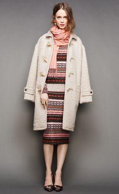 Tienes algún vestido elegante y no sabes que complemento ponerle en los meses de inviernos. Para tus acontecimientos usa #fouta