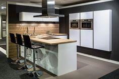 Zwevende kastenwand Greeploze keuken R08 | DB Keukens